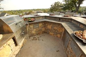 outdoor kitchen u-shaped tulsa