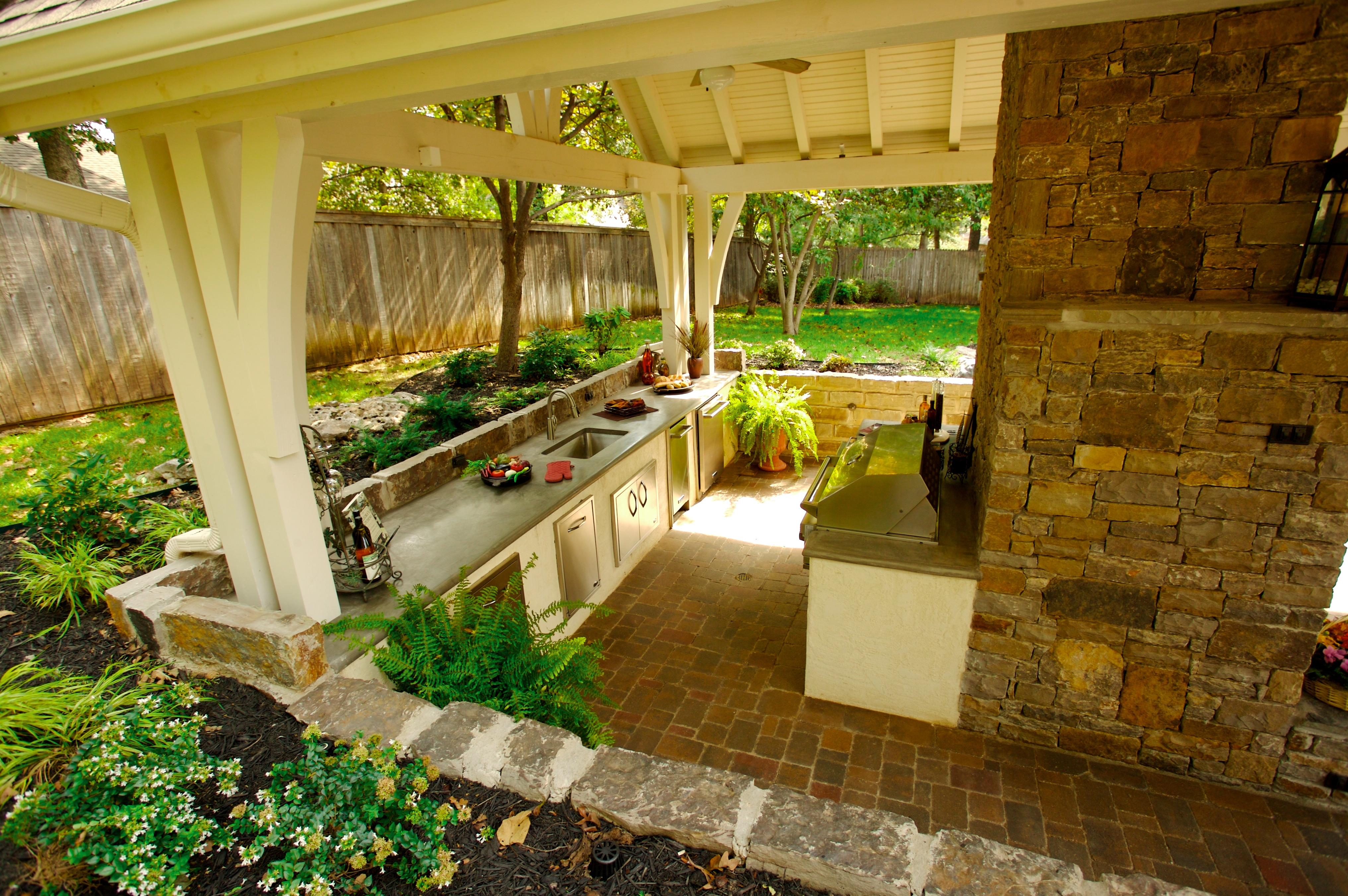 Landscape design in tulsa creating a practical landscape for Landscape design okc