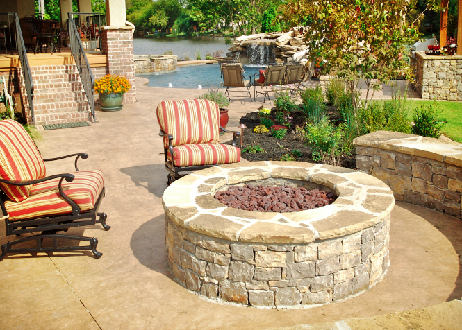 Fire pits in tulsa creating a cozy atmosphere for your outdoor space the best of tulsa lawn - Types fire pits cozy outdoor spaces ...