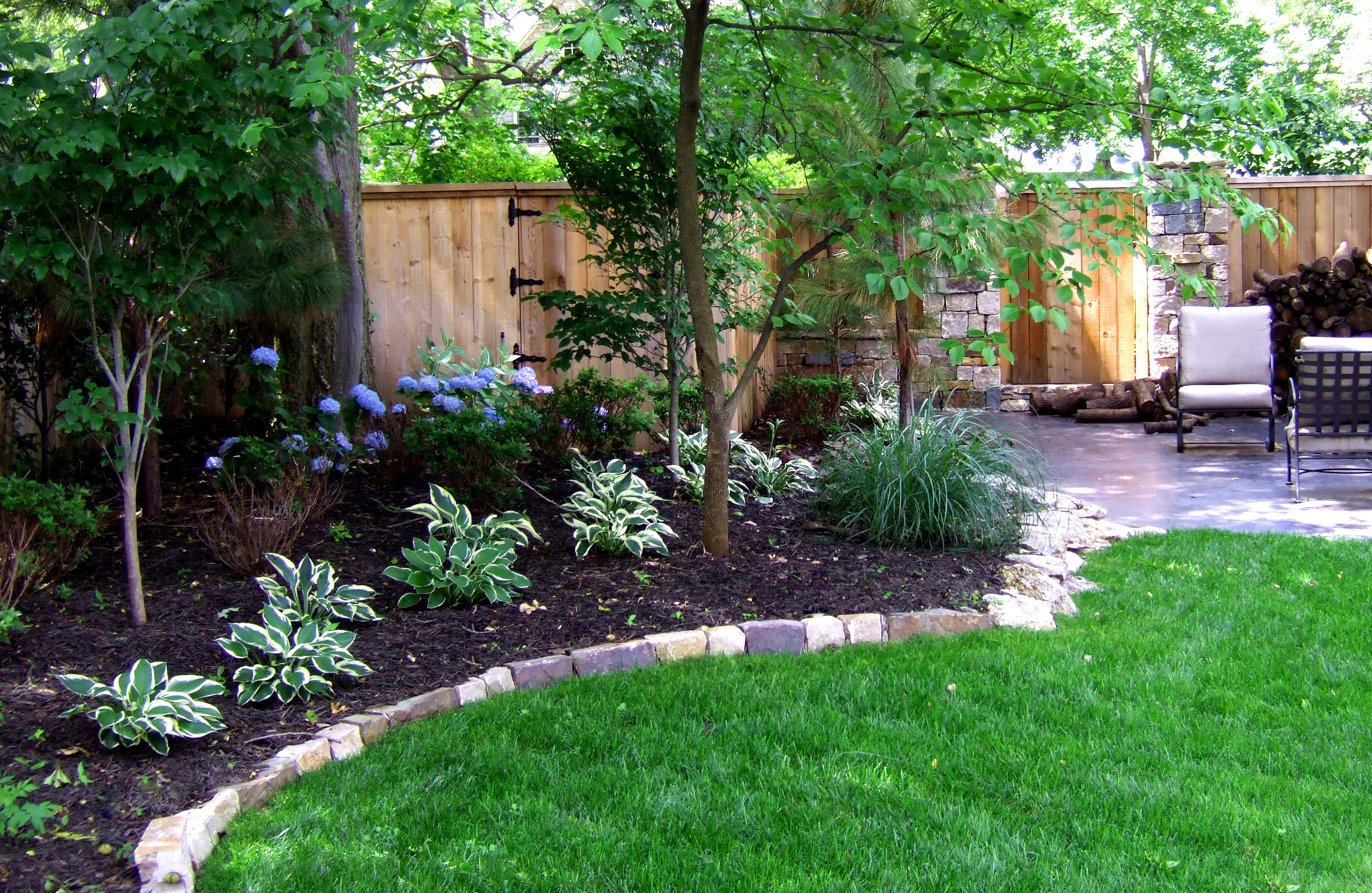 Tulsa landscaping companies the best of tulsa lawn care for Landscaping shrubs